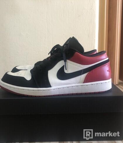 Jordan 1 low black toes
