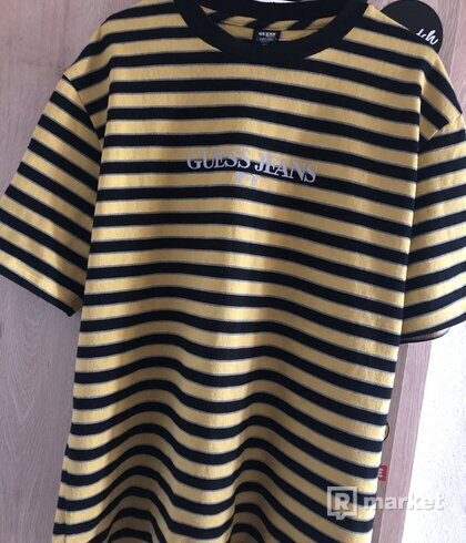 Guess x P+F tee