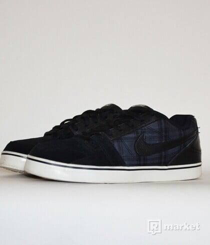 Nike Tartan Sneakers