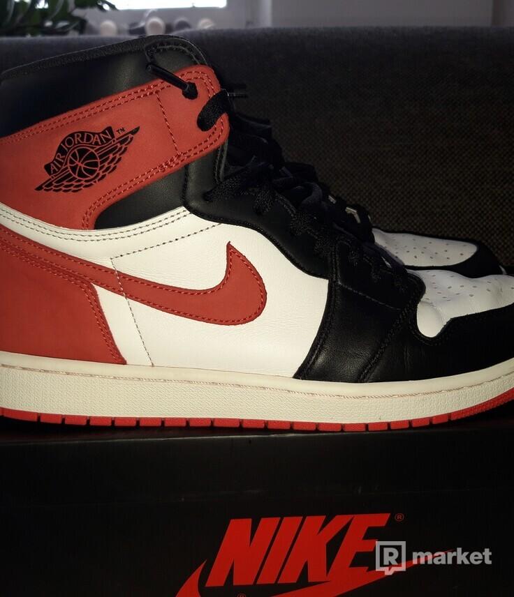 Air Jordan 1 Track Red