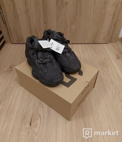 Yeezy 500 black