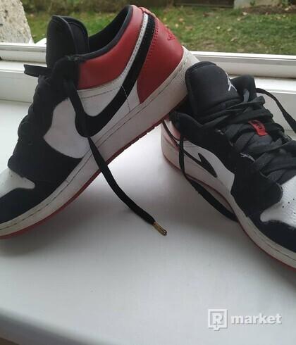 Nike Air Jordan 1 Low black toe