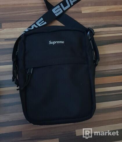 Supreme Shoulderbag