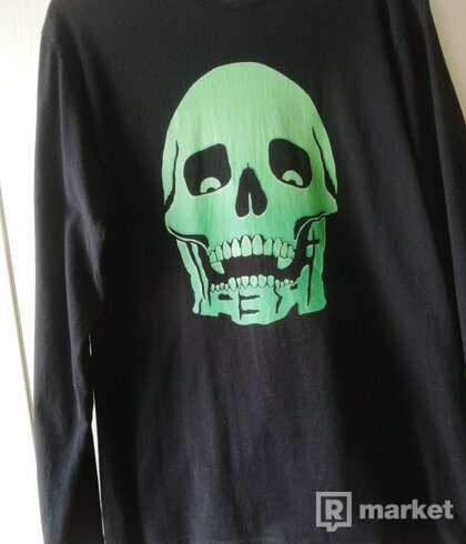 FREAK CLOTHING LONG SLEEVE SIZE M