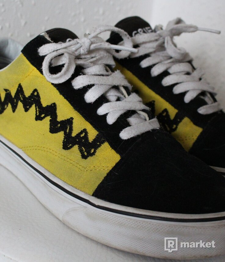 Vans x Peanuts Old Skool 'Charlie Brown'