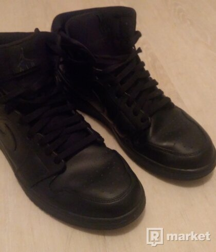Air Jordan 1 Mid black/black/black