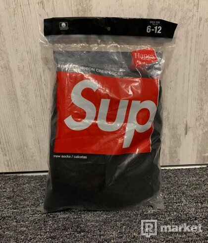Supreme Hanes Socks Black