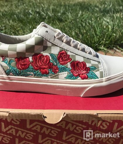 Vans Old Skool rose embroidery