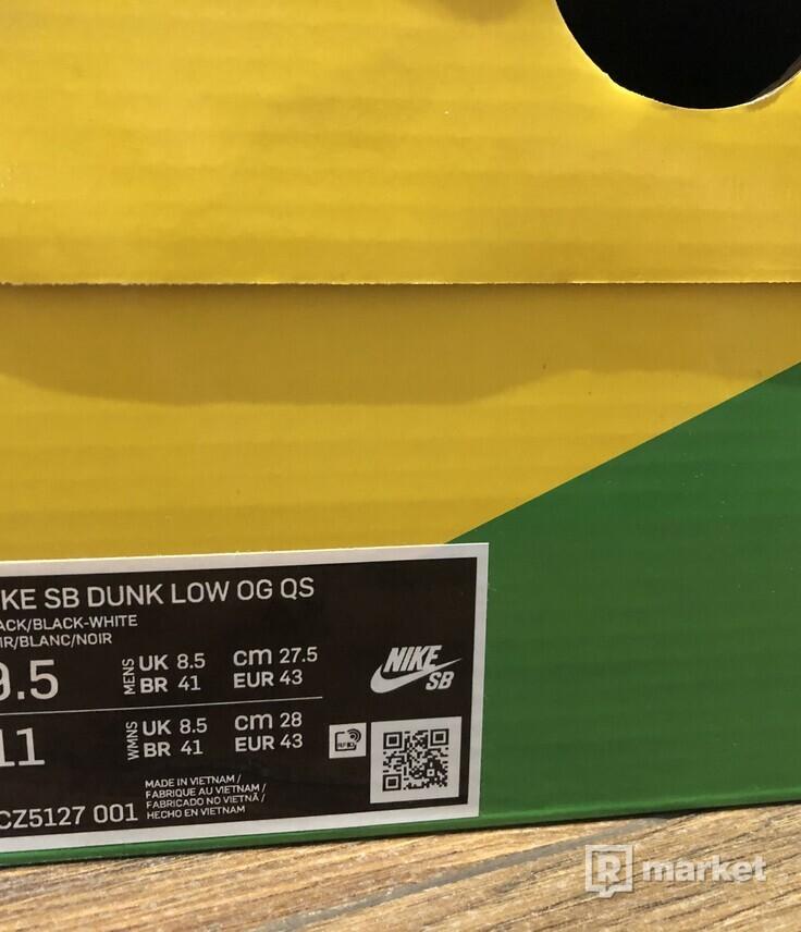 Nike dunk low medicom toy