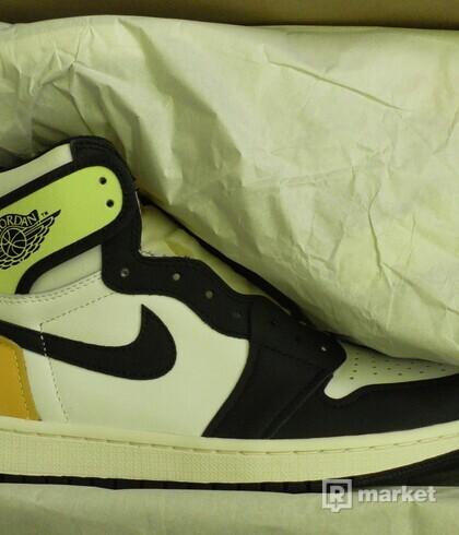 Air Jordan 1 Volt Gold