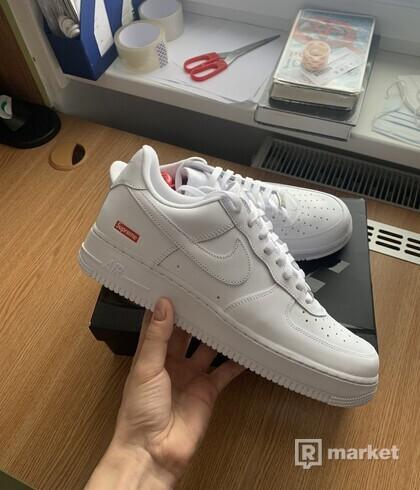 Nike x Supreme 'Air Force 1 Low'