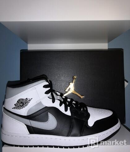 Jordan 1 Mid White Shadow 42