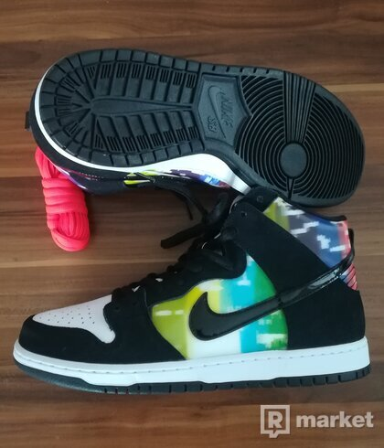 Nike Dunk SB hi TV signal US11