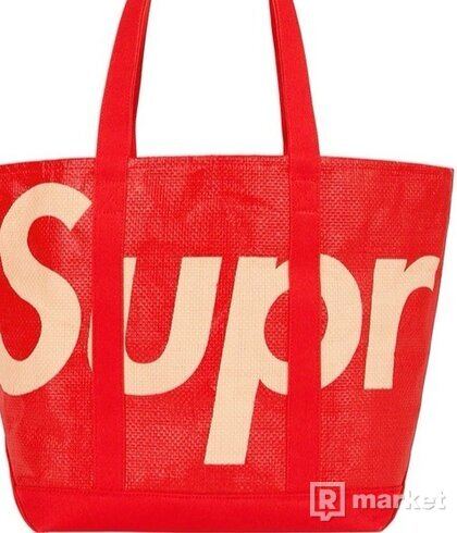 Supreme Raffia tote bag red