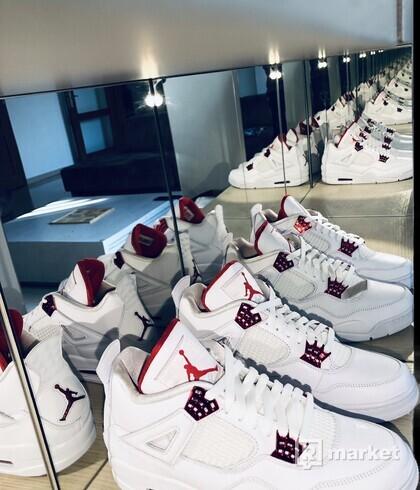 Jordan 4 Retro Metallic Red