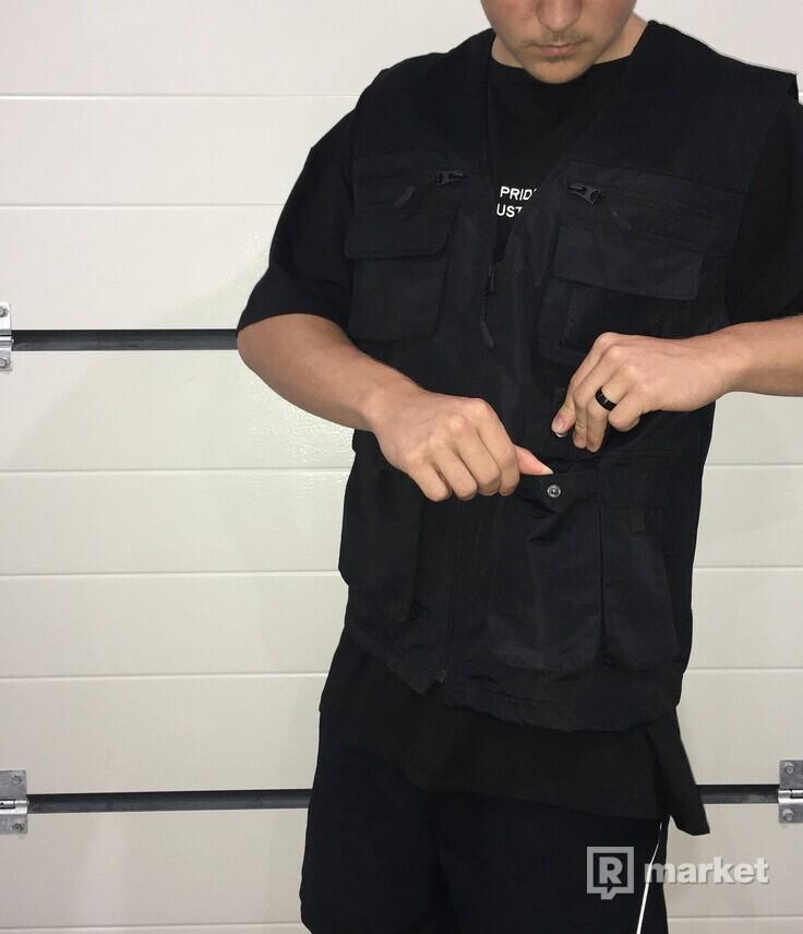 MAN vest