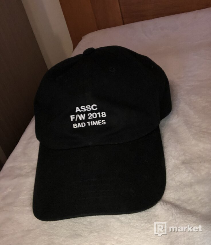 Assc weird cap black