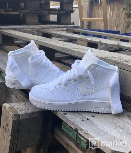 NIKE AIR FORCE 1 ULTRA FLYKNIT MID TRIPLE WHITE