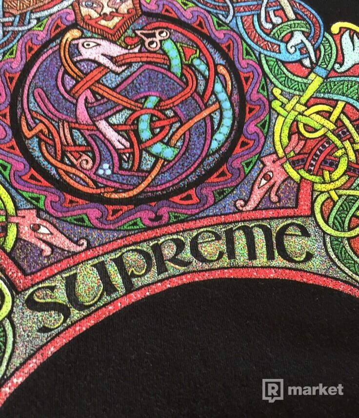 Supreme knot tee