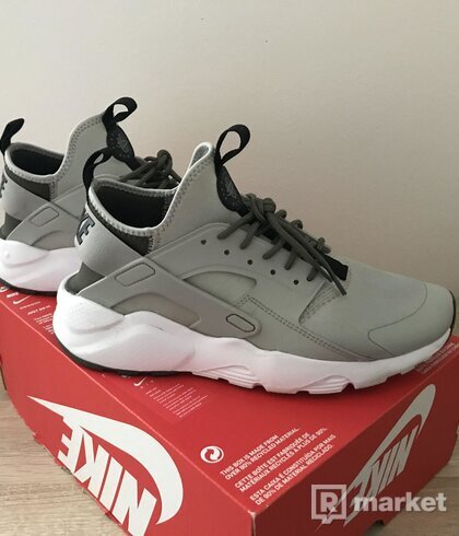 Nike Air Huarache run ultra pale grey black cargo khaki