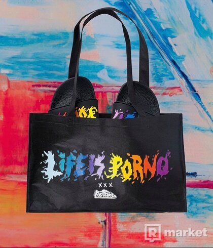 LIP XXX FTSHP NIGHT SLIDES + taška
