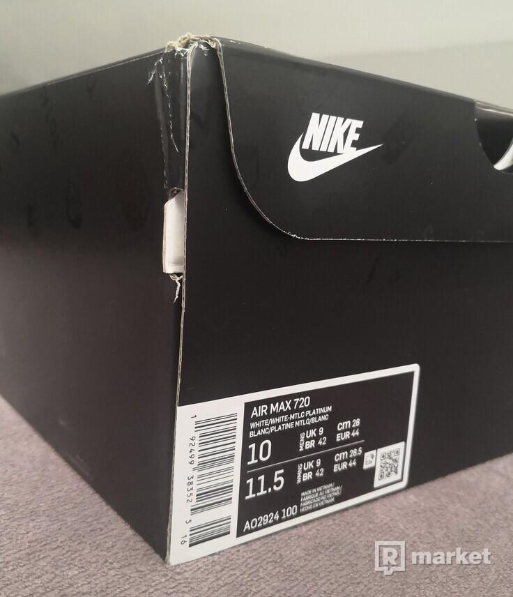 Nike Air Max 720 9/10