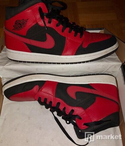 "Air Jordan 1 ""Bred"" mid"