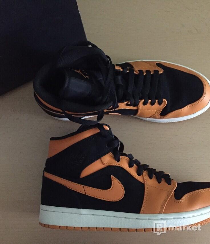 Jordan 1 Mid Orange Peel
