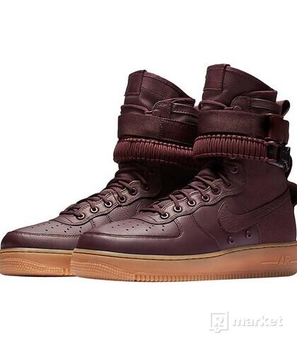 Nike SF AF1 [42]