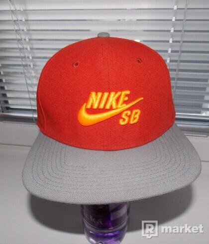 Snapback Nike SB