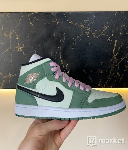 Jordan 1 Mid Dutch Green