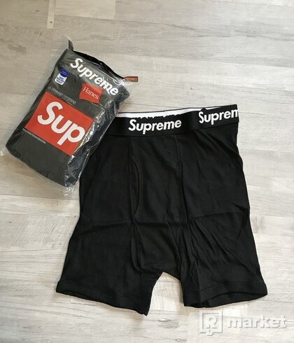 Supreme / Hanes Boxers, M, 17€ za kus