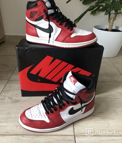 Air Jordan 1 High OG Chicago 2015