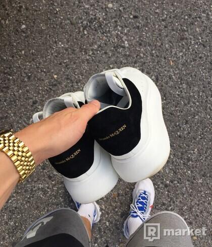 Alexander McQueen sneakers size 9UK (43)