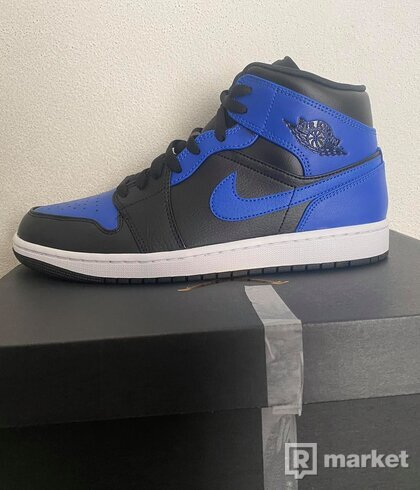 Nike Air Jordan 1 Hyper royal (mid)