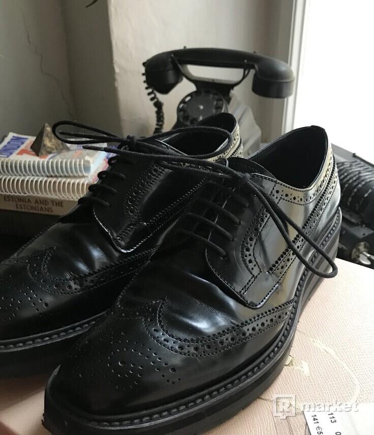 Prada leather broque boty