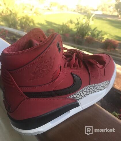 Air Jordan Legacy 312 red