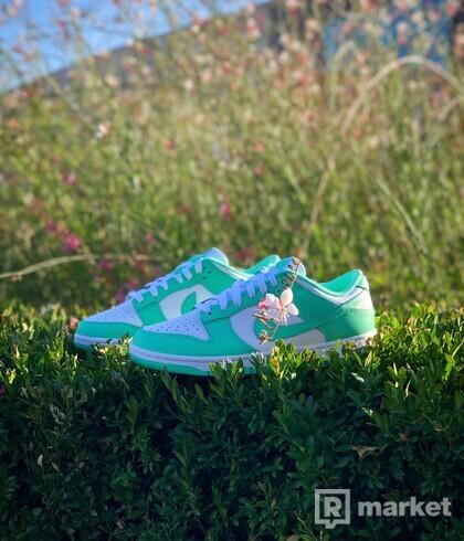 Nike Dunk Low (W) Green Glow