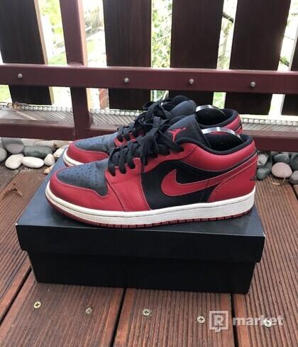 Air Jordan 1 reverse bred