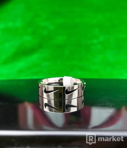 Nike Swoosh Ring