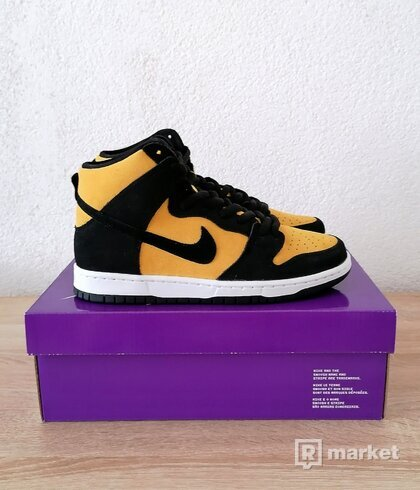 Nike Dunk Hi GoldenRod