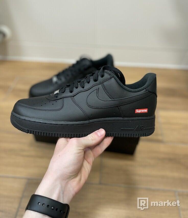 Nike Air Force 1 Low Supreme Black