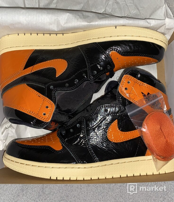"Nike Air Jordan 1 ""SHATTERED BACKBOARD"" 3.0"