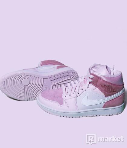 Air Jordan 1 mid Digital Pink