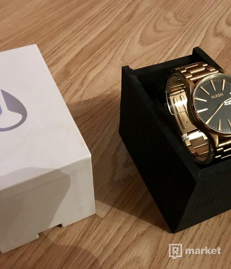Pánske hodinky Nixon