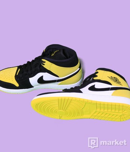 Air Jordan 1 mid Yellow toe