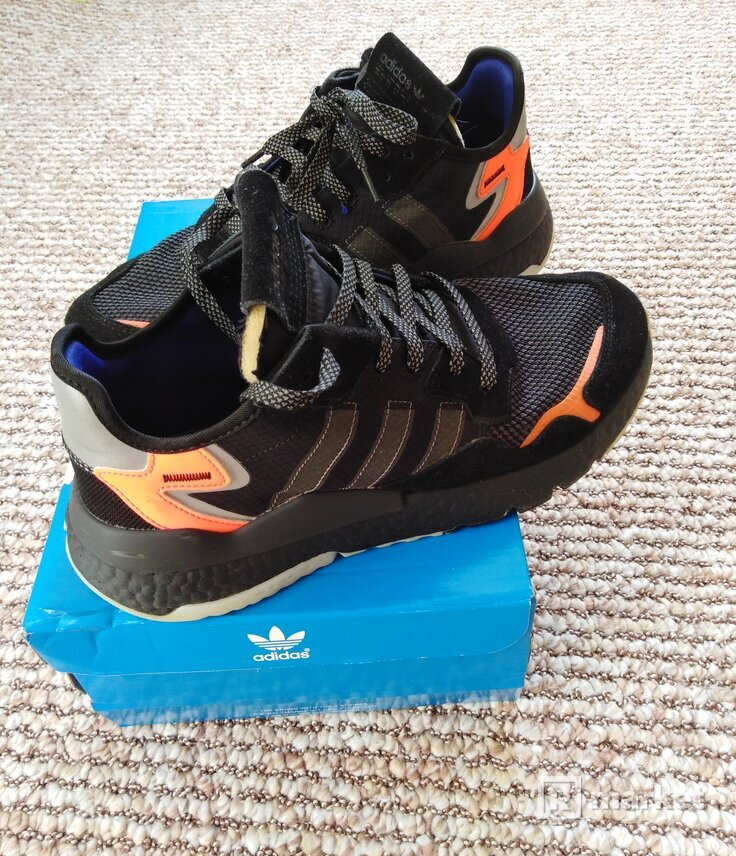 Adidas Nite joggers 44