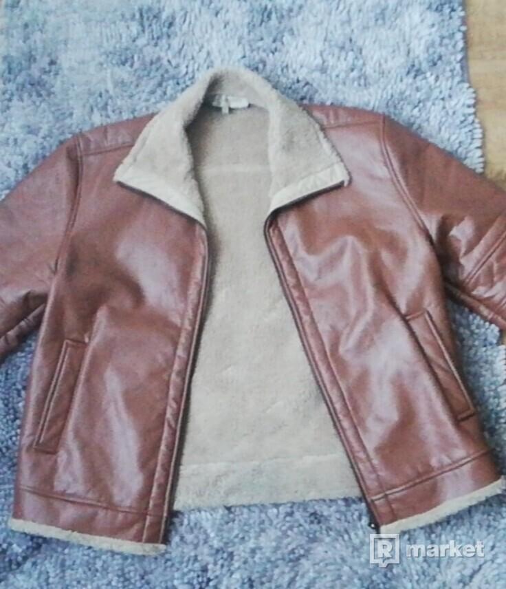 Kožený kabát s kožušinou