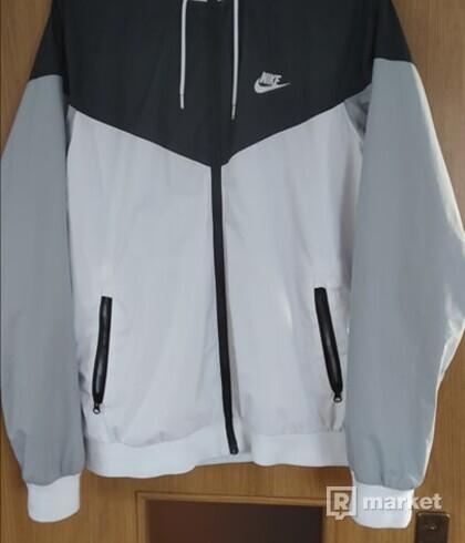 Nike Windrunner  /Biela/