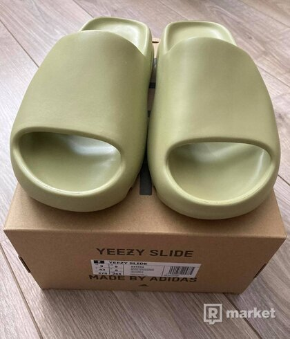 Yeezy slide Resin